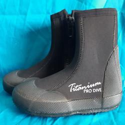 7mm Titanium Boots
