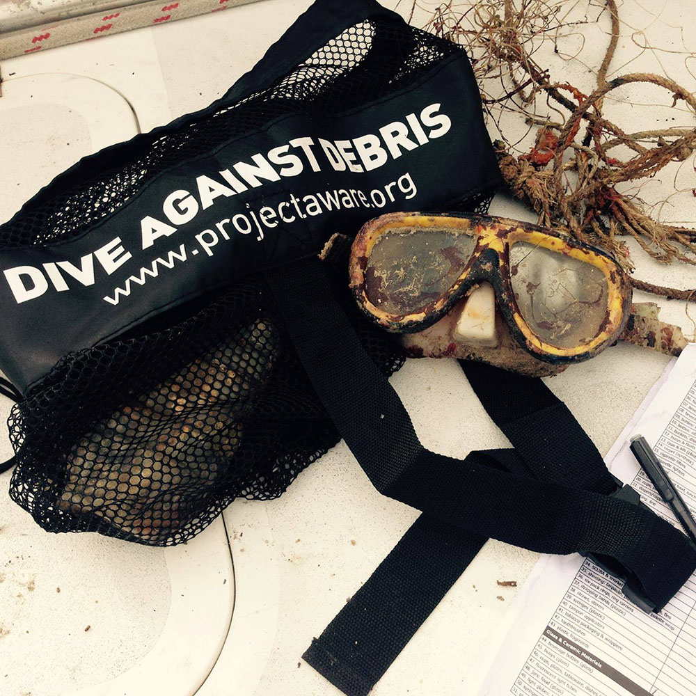 project-aware-diving-against-debris